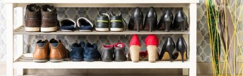 Naast tweedehands kleding kan je op De Kringshop ook terecht voor tweedehands schoenen.